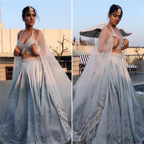 nia sharma hot look at pune fashion week