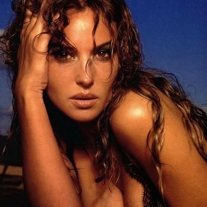 monica bellucci bold pictures
