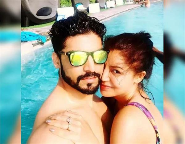 gurmeet choudhary with wife debina bonnerjee