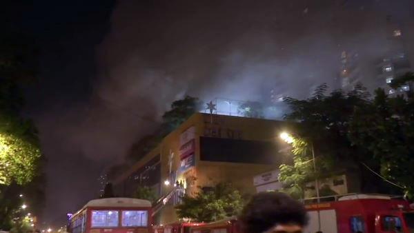 ਮੁੰਬਈ : ਨਾਗਪਾੜਾ ਦੇ ਇੱਕ ਮਾਲ 'ਚ ਲੱਗੀ ਅੱਗ