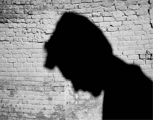 ਤਾਲਾਬੰਦੀ ਕਾਰਨ ਨਹੀਂ ਮਿਲਿਆ ਕੰਮ ਤਾਂ 2 ਧੀਆਂ ਦੇ ਪਿਓ ਨੇ ਚੁੱਕਿਆ ਖ਼ੌਫ਼ਨਾਕ ਕਦਮ