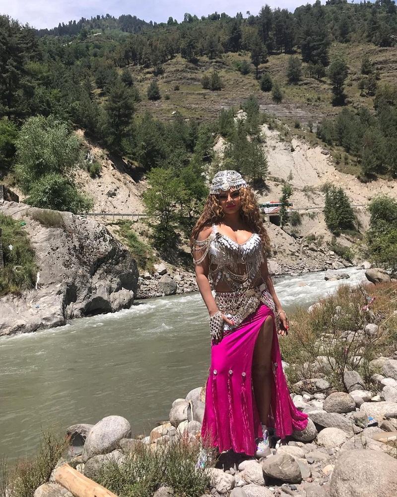 Punjabi Bollywood Takda,rakhi sawant image hd photo wallpaper pics gallery download,ਰਾਖੀ ਸਾਵੰਤ ਇਮੇਜ਼ ਐਚਡੀ ਫੋਟੋ ਵਾਲਪੇਪਰ ਪਿਕਸ ਗੈਲਰੀ ਡਾਊਨਲੋਡ