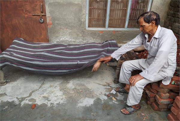 poisonous alcohol  deaths  spirits