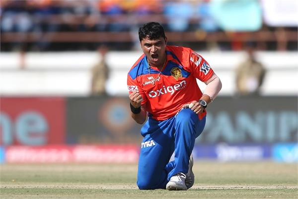 bcci excludes praveen tambe out of ipl 2020