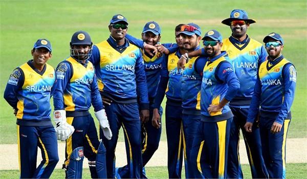 sri lanka team leaves for pakistan despite security concerns
