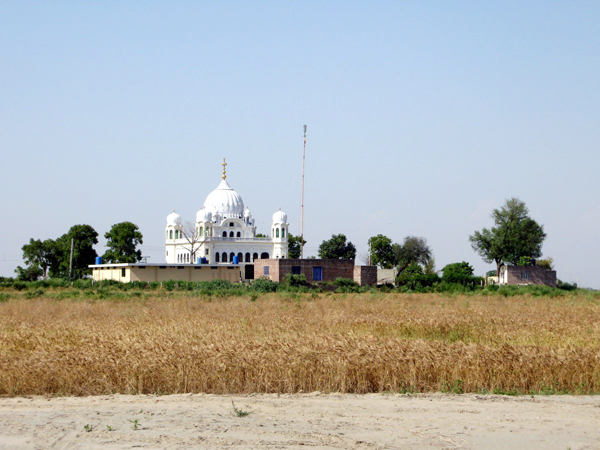 dera baba nanak  kartarpur corridor  integrated check post  india  pakistan