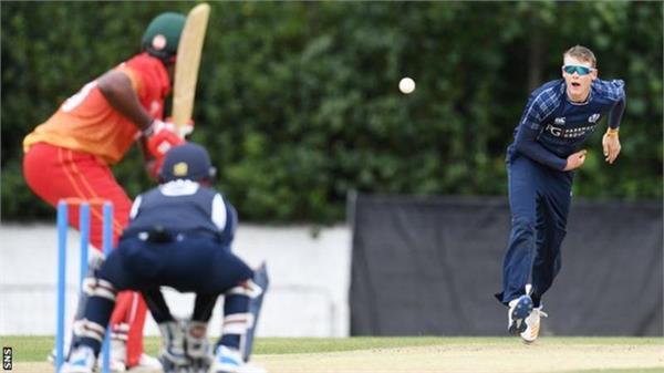 zimbabwe beat scotland by six wickets