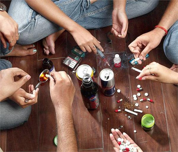 drugs  injections  smuggling