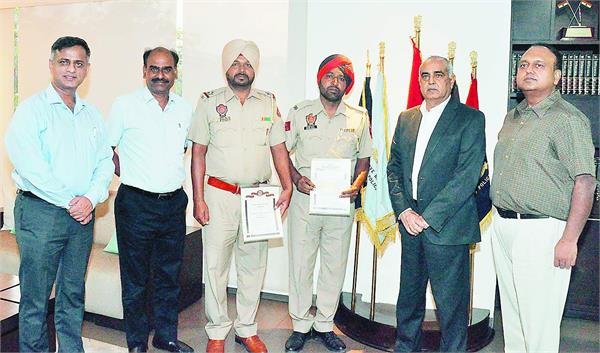 4000 police personnel  promotions  suresh arora