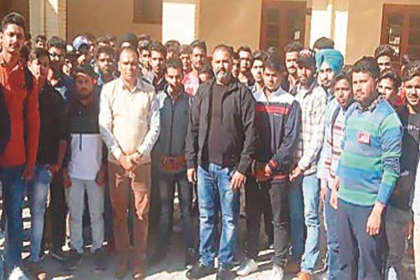 mla sushil rinku visits meher chand polytechnic college