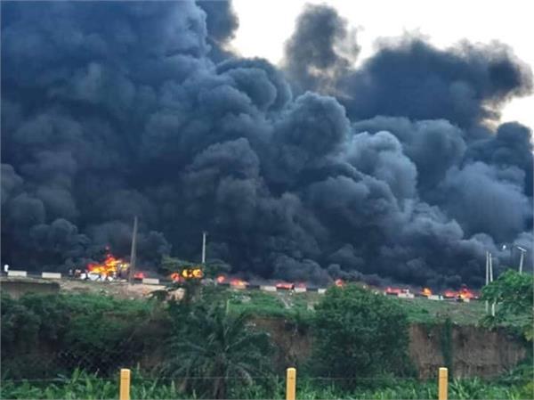 nigeria  fire in 53 tankers  9 people killed in lagos oil tanker blast