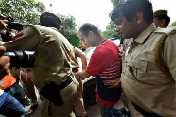 shailja murder case   nikhil handa in cctv footage