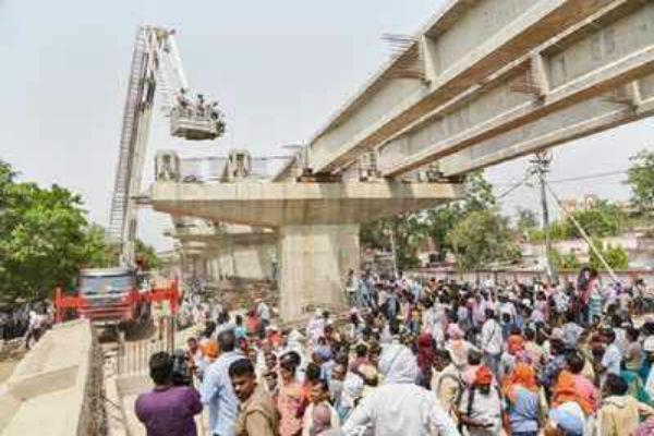 accident escaped in varanasi again