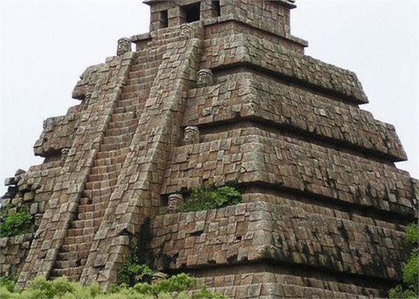 an ancient temple found in mexico