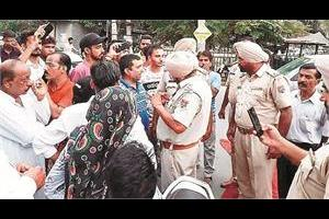 challan  2 youth arrested