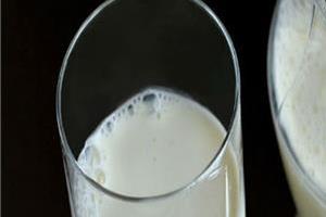 breakfast drink milk blood sugar levels control