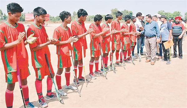 navodaya vidyalaya won national hockey  s overall trophy in patna