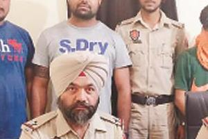 arunachal  s liquor smuggler  who came to sell jalandhar  arrested