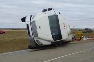 10 people injured bus collision kerrobert