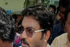 in a program babulal supriyo threatened to break the foot