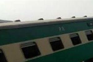 20 injured in pakistan train derailment