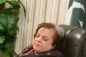 pakistan s human rights minister caught sleeping