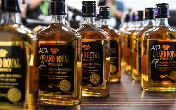 death toll in malaysia tainted alcohol scandal hits 21