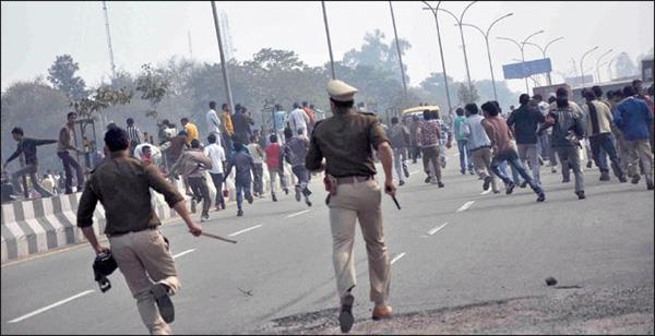 violence pervades everywhere in delhi  s streets