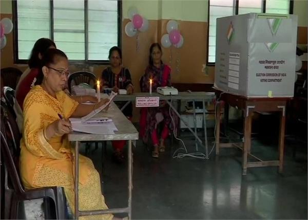 maharashtra assembly polls  power cut polling booth in pune