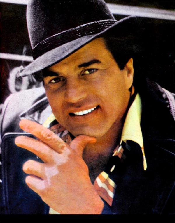 dharmendra admitted to hospital after being diagnosed with dengue