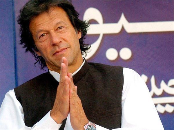pakistan pm imran khan wins vote confidence