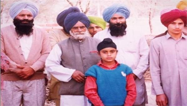 aman dhaliwal shares his childhood picture on instagram