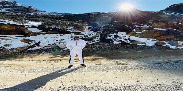 kapil sharma shares photos from   lap of nature   arunachal pradesh