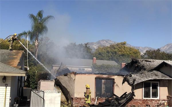 plane crashes in california  pilot dies