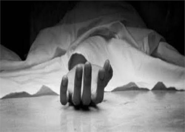 man dead body found in karnataka