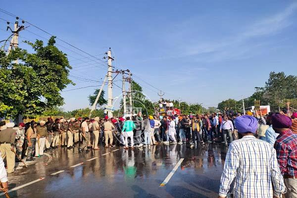 sangrur education minister teachers police lathicharg