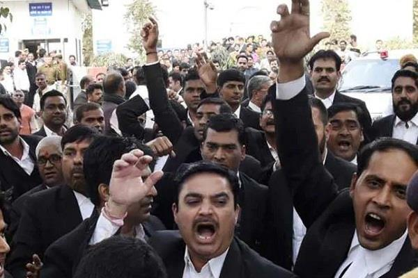 tis hazari dispute lawyers strike canceled for a week