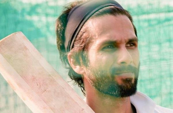 shahid kapoor is sikh cricketer for   jersey