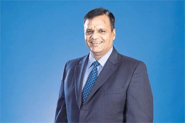 blow to airasia india  coo sanjay kumar quits