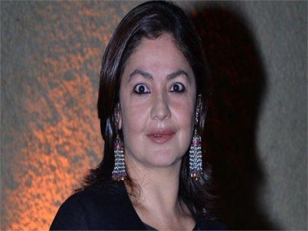 pooja bhatt instagram celebrate her three years of sobriety