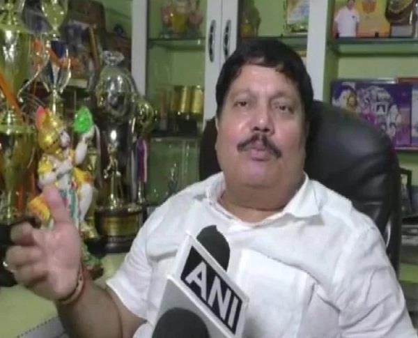bjp mp from barrackpore arjun singh car attack
