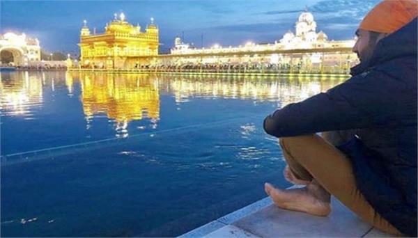 punjabi singer preet harpal visits golden temple  amritsar