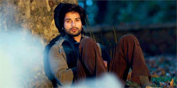 shahid kapoor jersey shooting impaired health