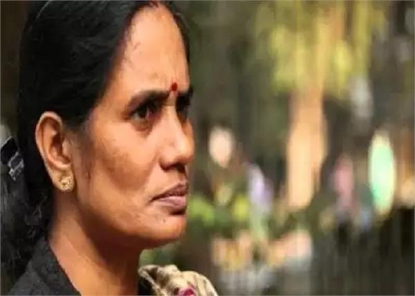 hyderabad encounter nirbhaya mother female doctor gangrape