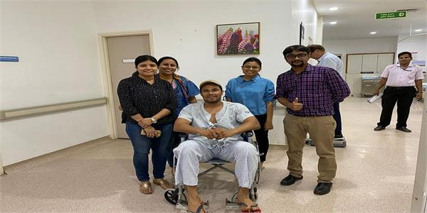 randeep hooda suffers injury while shooting action sequence on sets of radhe