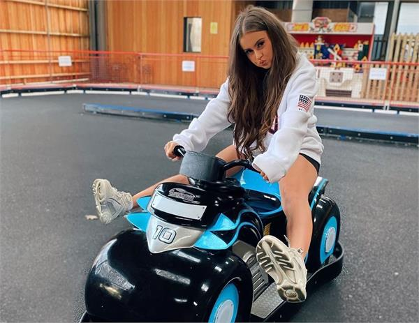 tiktok superstar britain 23 years old girl have bodyguard