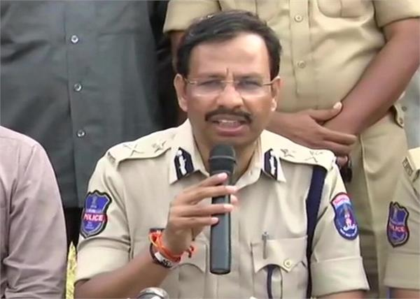 telangana police vc sajjanar accused surrender firing female doctor gangrape