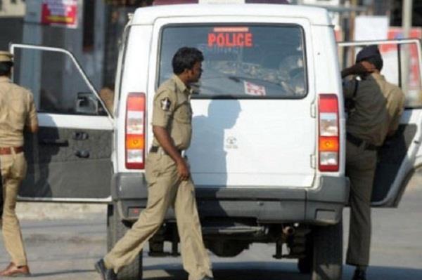 hyderabad rape case police sent notice to tv channels social media site