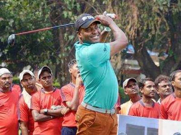 lara  s heart won by the beauty of the delhi golf course