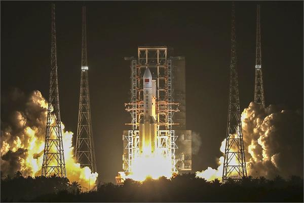 china launches powerful long march 5 space rocket